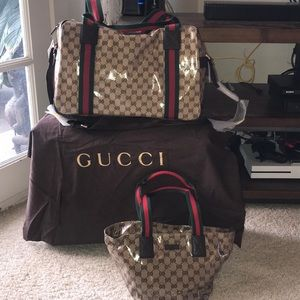 Authentic Brand New Gucci Duffle Bag !